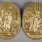 Deux médaillons en bronze doré