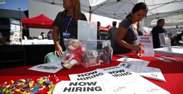 La baisse du taux de chômage américain entraîne des hausses de salaire