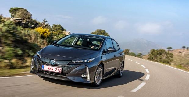 Comment s'offrir un véhicule hybride avec un crédit auto adapté ?