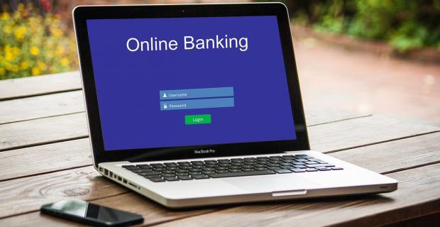 4 critères essentiels pour bien choisir sa banque en ligne